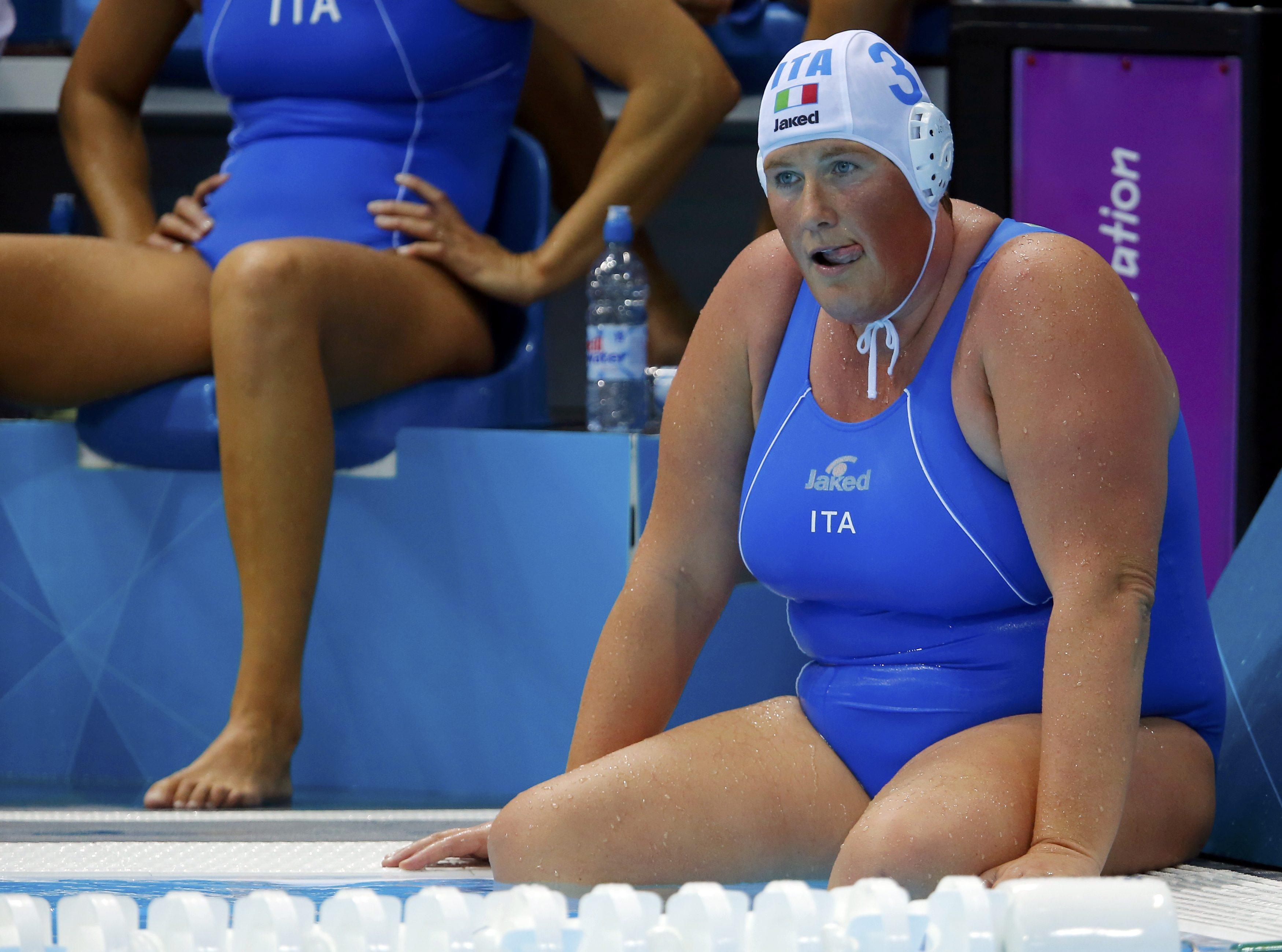 Elisa Casanova a bordo vasca (Reuters)