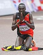 L'ugandese Kiprotich oro nella maratona