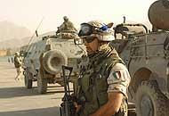 Razzo nella base italiana: tre contusiOrrore talebano: sgozzati 17 civili