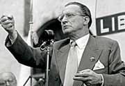 Alcide De Gasperi (1881-1954), fondatore della Democrazia cristiana e presidente del Consiglio dal 1945 al 1953