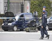 Un robot per verificare la presenza di esplosivo sulla vettura sospetta (Reuters/Lenoir)