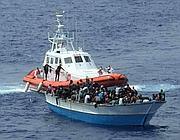 Lampedusa, una delle motovedette impegnate nei soccorsi