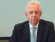 Il premier Mario Monti nella diretta da Palazzo Chigi al termine del consiglio dei ministri