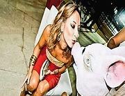 Ancelle che baciano maiali, ritratto della festa Pdl organizzata dal consigliere regionale De Romanis