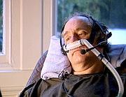 Craig Ewert, un cittadino inglese che scelse l'eutanasia in Svizzera nel 2006. Due anni dopo la sua storia fu trasmessa dalla tv inglese (AP)