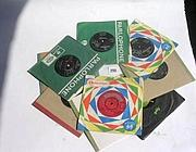 Alcune delle prime copie di Love Me Do (da icollector.com)