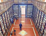 La Biblioteca dei Girolamini a Napoli (Ansa)