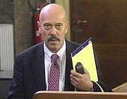 Il pm Fabio De Pasquale in tribunale a Milano per la lettura della sentenza del processo Mediaset (Ansa)