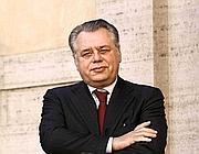 Michele Iorio del centrodestra. Ha vinto le elezioni poi annullate
