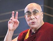 Il Dalai Lama incontra i giornalisti in Giappone (Reuters/Nakao)