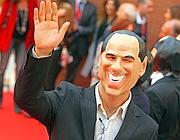 Un finto Berlusconi sul erd carpet (Jpeg)