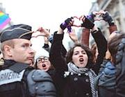 E attivisti del movimento gay hanno organizzato delle contromanifestazioni (Afp)