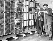 Il Dekatron al lavoro allora, nel 1957, a Wolverhampton