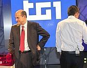 Pier Luigi Bersani e Matteo Renzi negli studi del Tg1 (LaPresse)