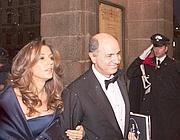 Il ministro Passera e la moglie alla prima della Scala (Omnimilano)