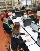 Un momento della prova all'Istituto Avogadro di Torino (Ansa)