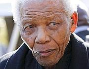 Mandela in una foto di qualche anno fa (Afp)