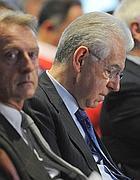 Mario Monti con Luca Cordero di Montezemolo a Bergamo