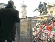 Nichi Vendola dal palco di Milano