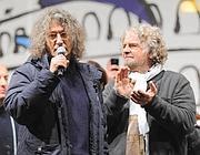 Beppe Grillo con Gianroberto Casaleggio (Ansa)