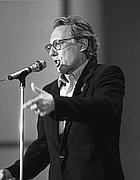 Anni 80: Jannacci  in un concerto