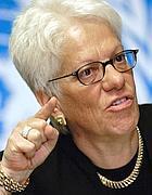 Carla Del Ponte nel 2004, quando era procuratore capo del Tribunale Penale Internazionale per l'ex-Jugoslavia (Reuters/Balibouse)