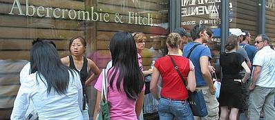 Abercrombie non vuole clienti grassi nei suoi negozi for Negozi di belle arti milano