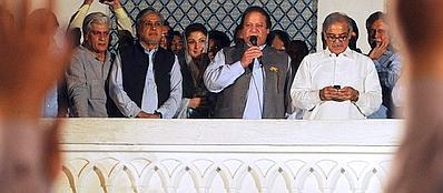 Nawaz Sharif dopo la vittoria (Afp/Ali)
