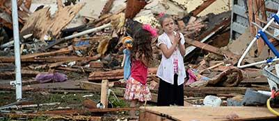 Tornado largo tre chilometritravolge Oklahoma City, due morti