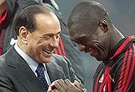 Milan, la Curva Sud contro Seedorf