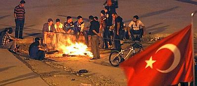 Una manifestazione a Istanbul nell'ormai famosa piazza Taksim (Reuters)