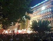 La manifestazione sotto la sede di Ert (Twitter)