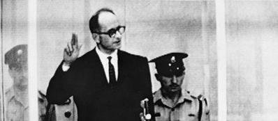 Eichmann durante il processo a Tel Aviv