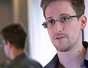 Snowden, protagonista dello scandalo Datagate, chiede asilo alla Russia