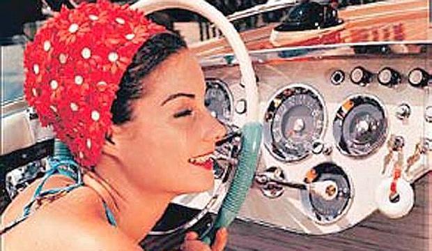 Quando la Bardot guidava una Rolls Royce tra le onde