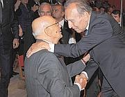 Napolitano stringe la mano ad Abbado