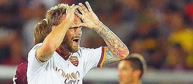 Daniele De Rossi dopo il suo gol al Livorno, nella prima giornata del campionato di serie A (Ap/Speranza)