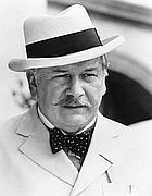 Peter Ustinov nelle vesti di Poirot, forse  l'interpretazione più celebre