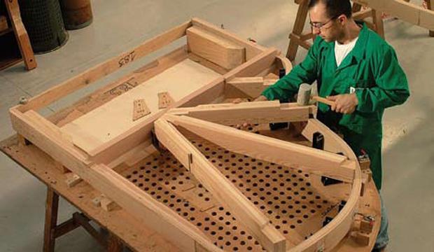 L'ingegnere-musicista che crea pianoforti col legno di Stradivari