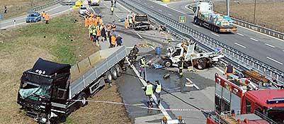 Un incidente sull'autostrada A5, a Ivrea, che ha coinvolto anche mezzi pesanti