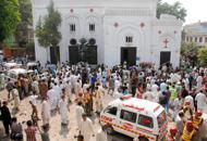 Pakistan, strage di cristiani davantia una chiesa: oltre 70 morti| Video