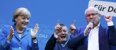 Angela Merkel festeggia il successo storico (Reuters)
