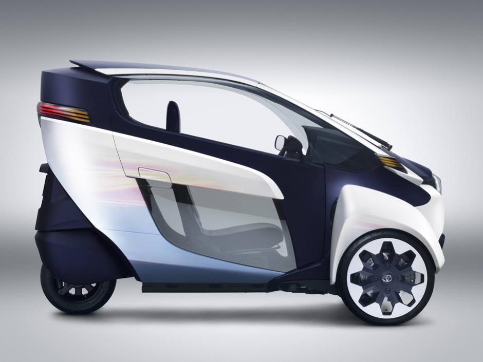 toyota i-road, un triciclo elettrico per la città