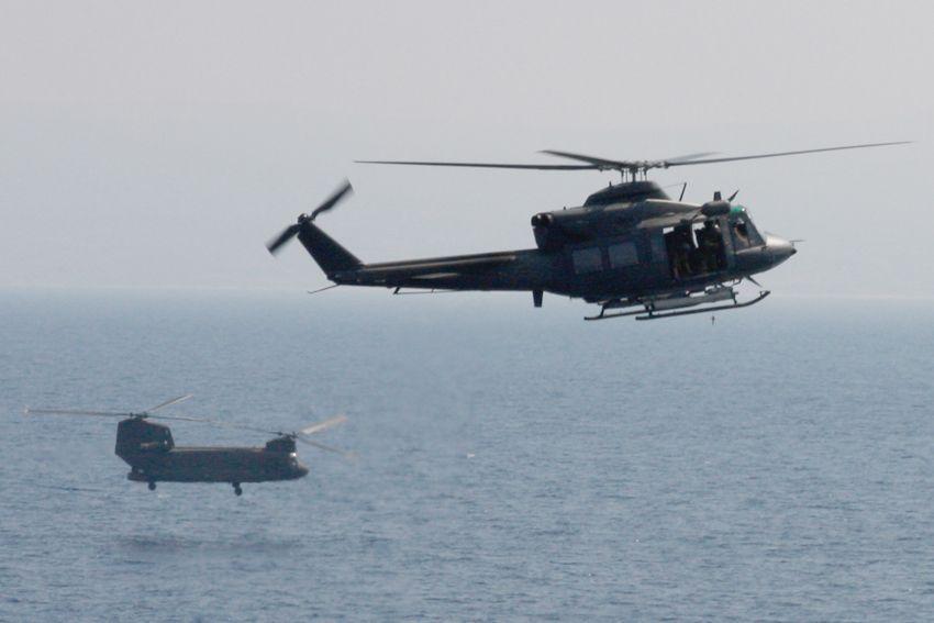 Elicottero Notte : Lamezia si addestrano i soldati diretti in libano