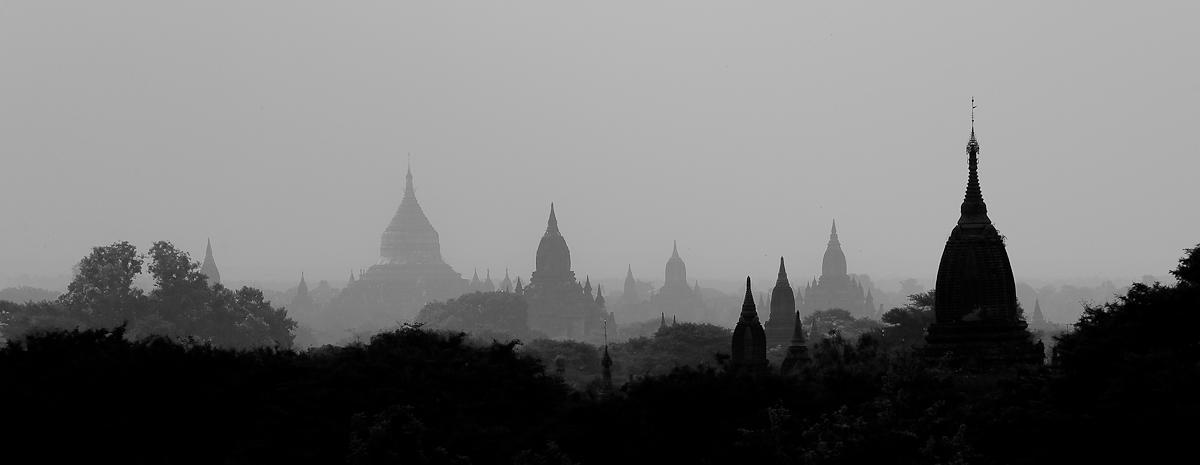 «Alba in Bagan», Myanmar (Heinz Homatsch)