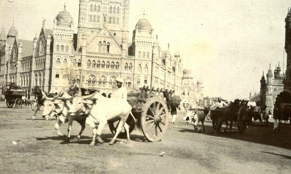 Queen's Road a Mumbai (ex Bombay), collezione ?Campagna oceanica della Regia Nave Vesuvio 1906-1909?, Maharashtra, India, 1906, foto di anonimo