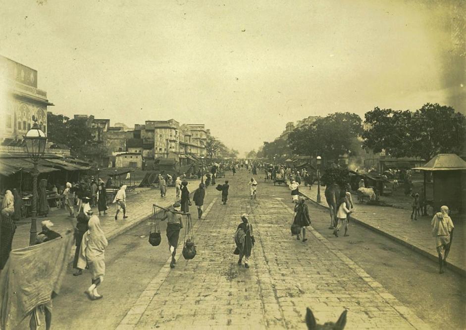 Una strada di Jaipur, collezione ?Campagna oceanica della Regia Nave Vesuvio 1906-1909?, Rajasthan, India, foto di anonimo
