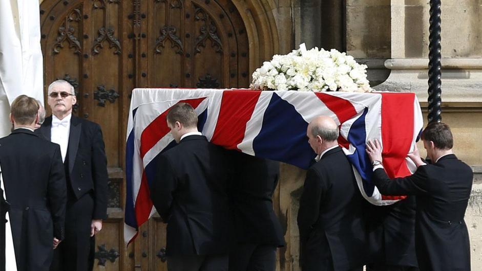 Nel frattempo si è svolta una cerimonia privata nella cappella del Parlamento, con un centinaio di politici e colleghi della Lady di ferro (Ap/Dunham)
