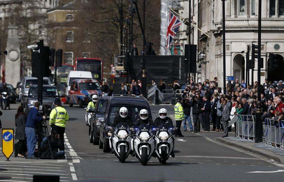 L'arrivo del feretro a Westminster (Ap/Dunham)