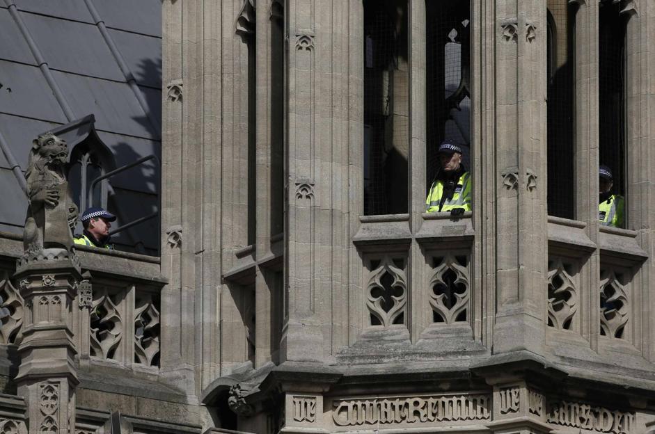 Sui tetti di Westminster lo stato d'allerta � alto (Reuters/Plunkett)